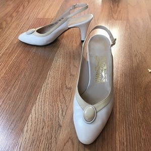 Vtg Salvatore Ferragamo Leather Slingback Heels